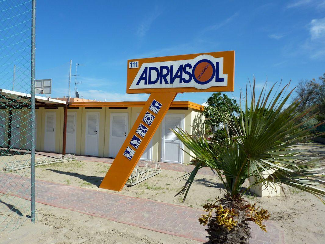 Cooperativa bagnini cervia 111 113 bagno adriasol - Bagno palm beach pinarella ...