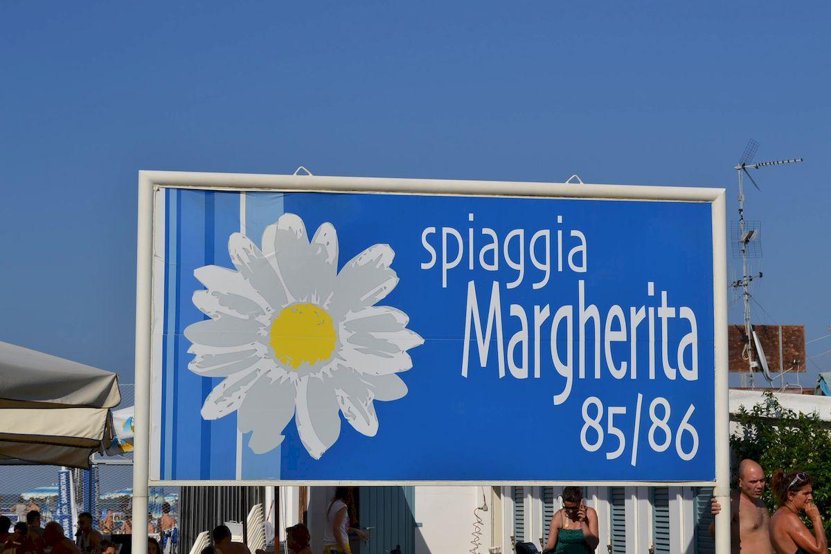 Cooperativa bagnini cervia 085 86 bagno margherita - Bagno sara beach pinarella ...